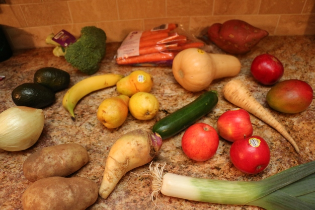 Broccoli, carrots, sweet potato, avocados, bananas, pears, zucchini, apples, parsnip, rutabaga, leek, potatoes, pomegranate, mango